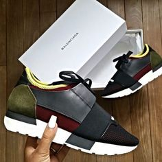 """Daily Outfits & Shoes on Instagram: """"Balenciaga Shoes : @kiiimbyuuul"""" Streetwear, Cute Shoes, Me Too Shoes, Sneaker Boots, Shoes Sneakers, Lacoste, Baskets, Balenciaga Sneakers, Oldschool"""