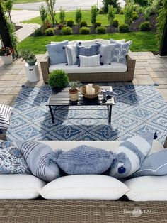 Loveliest Looks for Summer Tour + Blue French Country Patio - Remington Avenue French Country Modern French Country Rug, French Country Decorating, French Patio, French Cottage, Country Style, Outdoor Rooms, Outdoor Living, Outdoor Patio Rugs, Blue Outdoor Rug