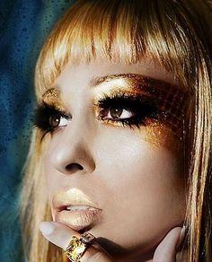 .gold eye design.              t