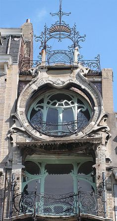25 Most Beautiful Art Nouveau Architecture Design - Rockindeco Architecture Design, Architecture Art Nouveau, Gothic Architecture, Beautiful Architecture, Beautiful Buildings, Building Architecture, Art Deco, Design Art Nouveau, Art Nouveau Arquitectura
