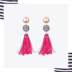 The it-item that you need in your collection #vilanovaearrings #vilanova #vilanova_accessories #earrings #polkadots #fashion #trend #tasselearings #festivalooks