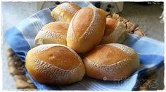Bäckerbrötchen über Nacht6 Stück Abends Teig herstellen und formen und Morgens nur noch in den Ofen 140 g Wasser10 g frische Hefe 2 Min./37°/St.1 250 g Mehl 550er1 TL Salz1 TL Backmalz 4 Min./Knetstuf