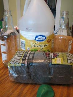 Chemical Change Science Matters: Conservation of Matter: Steel Wool & Vinegar Teaching Chemistry, Chemistry Experiments, Science Chemistry, Science Fair Projects, Physical Science, Science Labs, Science Resources, Science Lessons, Science Education