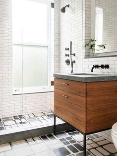 Black And White Bathroom Floor, Black Tile Bathrooms, Glass Tile Bathroom, Paris Bathroom, Upstairs Bathrooms, Bathroom Floor Tiles, Bathroom Interior, Tile Floor, Bathroom Ideas