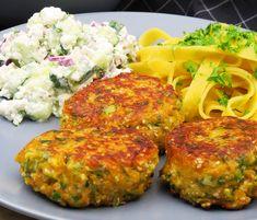Vegetarfrikadeller - sprøde og lækre med krydderurter og parmesanost Vegetarian Recipes, Snack Recipes, Healthy Recipes, Snacks, Pakistan Food, Veggie Patties, Tasty, Yummy Food, Recipes From Heaven