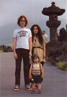 John Lennon, Yoko Ono and son Sean Lennon in Japan Ringo Starr, Paul Mccartney, John Lenon, Rock And Roll, John Lennon Yoko Ono, John Lennon Sean Lennon, Les Beatles, Tilda Swinton, The Fab Four