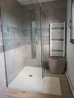 Parental shower room Source by jessprudon Bathroom Wall Decor, Bathroom Furniture, Bathroom Interior, Modern Bathroom, Bathroom Ideas, Small Bathroom Renovations, Small Bathroom Storage, Upstairs Bathrooms, Bathroom Remodeling