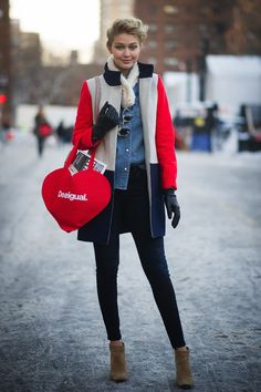 Strolling NYC, Gigi coordinated a bright, cheeky tote with her colorblocked J.Crew coat.