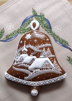 gingerbread house www.gingerbreadjournal.com Christmas Sugar Cookies, Christmas Sweets, Christmas Goodies, Holiday Cookies, Christmas Baking, Gingerbread Cookies, Fancy Cookies, Iced Cookies, Cute Cookies