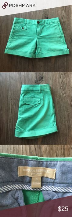 Banana Republic City Chino shorts 💚 These Banana Republic shorts are in great condition - only worn twice. Very cute color! Banana Republic Shorts