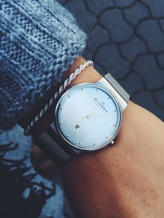 Skagen watch, love the straps on these! Latest Women Watches, Active Wear For Women, Women Wear, Skagen Watches, Women Accessories, Jewelry Accessories, Beautiful Watches, Sweater Fashion, Women's Fashion