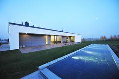 House in Jozefow by ZAG Architekci