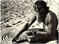 Sand drawing in Australia, probably Mann Ranges of Haasts Bluff. An aboriginal man drawing concentric circles; which could mean a camp site, watering hole, or even reference to a tjuringa or sacred stone. Australian Aboriginal History, Australian Art, Australian People, Aboriginal Dreamtime, Aboriginal Painting, Aboriginal Culture, Aboriginal People, Aboriginal Symbols, Indigenous Education