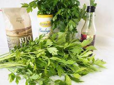 Selbst gemachtes Maggi, flüssig von noveli   Chefkoch Kraut, Seaweed Salad, Zero Waste, Dressings, Noodles, Herbs, Cooking, Ethnic Recipes, Diy