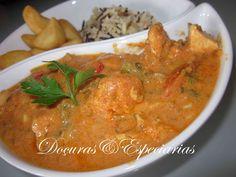 """a true British national dish""  Chicken Tikka Masala (Frango Tikka Masala)       VER TAMBÉM LINK: http://armazemdasespeciarias.com.br/2013/07/17/frango-indiano-tikka-masala/"