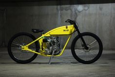 Wolf Creative Customs is a father and son team that have been consistently producing some of the coolest, function-first motorized bicycles we've ever seen. This board tracker inspired custom is their latest creation and for someone like me, who is slightly obsessed with board trackers, it represents a perfect meld between engines and bicycles. That air-cooled, single cylinder engine has a 200cc capacity and is fed by a 22mm Mikuni carburettor. The exhaust is a straight pipe with no mufflery…