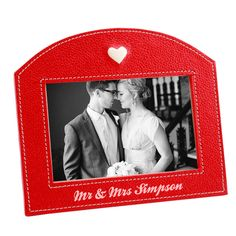 A personalized Ruby Anniversary Frame with your names to display your favorite photo from the past 40 years 3rd Year Anniversary Gifts, Anniversary Gifts For Parents, Personalized Anniversary Gifts, Anniversary Photos, Inexpensive Mother's Day Gifts, Cute Valentines Day Ideas, Leather Gifts For Her, Personalized Picture Frames, Mother Birthday Gifts
