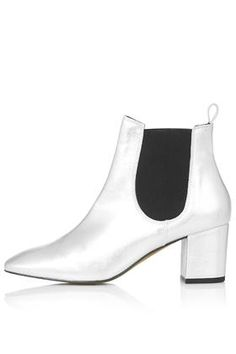 MARY Online Exclusive '60s Chelsea Boots
