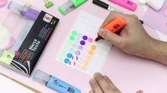 Que tal criar seus próprios adesivos? 😍 Inspirados no vídeo da @camilaocabral criamos esses adesivos com o Marca Texto Neon Fever ⚡ Para representar os itens que você deseja use diferentes cores e padronagens, desenhe ícones ou letras. Você pode utilizar no seu BuJo, planner ou caderno de estudos 🗒️ Neon, Planner, Bujo, School Routines, Personalized Stickers, Stationery Shop, Notebook, Texts, Craft