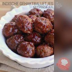 DeBonteKeuken: Indische gehaktballetjes  (vlees, gehakt, knoflook, ketjap manis, sambal oelek, ei, paneermeel, 5 spices kruiden, gefrituurde uitjes, pindakaas, ketchup, maizena)