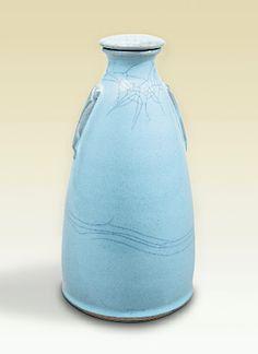 Atelier des Cendres Denis Bouniard  Poterie tournée utilitaire et décorative en grès émaillé, bleu de fer, rouge de fer, jaune de fer, ble...
