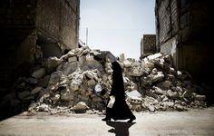 Woman in Aleppo, Syria. Marco Longari