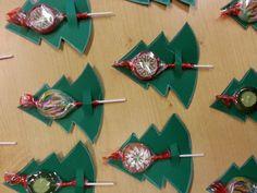 stromeček a lízátko Easy Christmas Decorations, Christmas Favors, Christmas Crafts For Kids, Xmas Crafts, Christmas Candy, Simple Christmas, Christmas Projects, Christmas Time, Christmas Ornaments