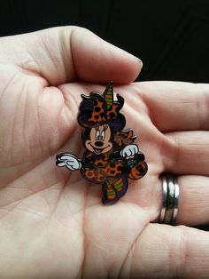 Halloween Minnie Witch Disney Trading Pin