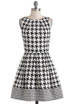 Gameday dress ♥ Houndstooth with some crimson = perfect