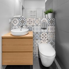 Bathroom Design Layout, Diy Bathroom Decor, Modern Bathroom Design, Bathroom Colors, Downstairs Bathroom, Small Bathroom, Bathroom Assessories, Bathroom Stickers, Toilet Room