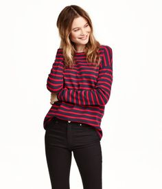 Straight-cut top in thick, striped cotton jersey with dropped shoulders, long sleeves, and a slightly wider neckline.