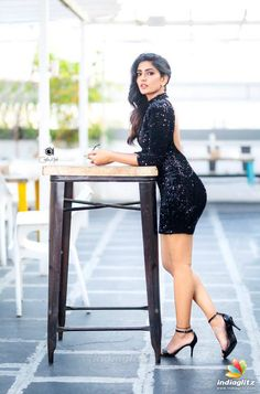 Actress Latest Hot And Glam Stills Bollywood Actress Hot Photos, Indian Bollywood Actress, Bollywood Girls, Tamil Actress Photos, Bollywood Saree, Bollywood Fashion, Bollywood Oops, Beautiful Bollywood Actress, Beautiful Girl Indian