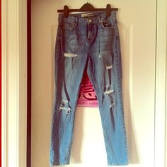 TOPSHOP Blue Denim Moto Distressed Jeans! TOPSHOP Blue Denim Moto Distressed Jeans! Worn Once. In Perfect Condition/No Flaws. Size W28 L30. I'm 5'0 & They Stop Perfectly At My Ankles. Very Cute! Topshop Jeans Ankle & Cropped