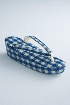 スタイリスト大森伃佑子による和と洋を織り交ぜた装いブランド「ドゥーブル メゾン」 Blue gingham check zori