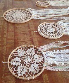 Dream Catcher Mandala, Dream Catcher Decor, Lace Dream Catchers, Crochet Dreamcatcher Pattern, Crochet Mandala Pattern, Crochet Carpet, Knit Crochet, Boho Diy, Boho Decor