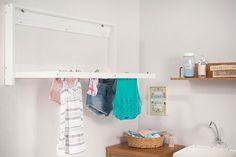 Em uma lavanderia pequena, o varal dobrável é perfeito!