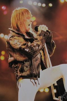 Axl Rose, early 90s #axlrose #waxlrose #gnr #gunsnroses #rockstar #rockicon #bestsingerever #hottestmanalive #livinglegend #sweetchildomine #HOT
