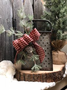 Rustic vintage grater - Holiday decor -pine greenery - red checked bow - Candle holder - primitive - Artificial fir tree as Christmas decoration? An artificial Christmas Tree or a real one? Farmhouse Christmas Decor, Christmas Kitchen, Outdoor Christmas Decorations, Christmas Centerpieces, Rustic Christmas, Christmas Home, Christmas Wreaths, Christmas Ornaments, Christmas Greenery