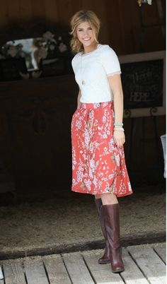This flowing floral skirt with pockets is perfect for strolling around Florence or riding your bike down the streets of Milan.  Pair with heels or boots for the perfect outfit.