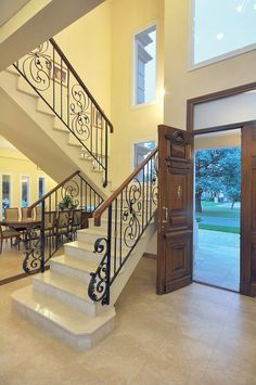 Classic modern home in Buenos Aires Home Stairs Design, Stair Railing Design, Foyer Design, Home Design Plans, Railings, House Front Design, Modern House Design, Dream House Interior, Home Interior Design