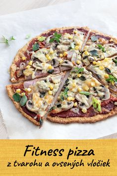 Jednoduchá fitness pizza z tvarohu a ovsených vločiek Low Carb Keto, Low Carb Recipes, Vegetarian Recipes, Cooking Recipes, Healthy Recipes, Lunch Snacks, Healthy Snacks, Lowcarb Pizza, Food And Drink