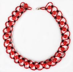 Free pattern for necklace Pheromone Click on link to get pattern - http://beadsmagic.com/?p=8742