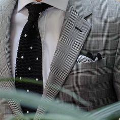T.M.Lewin Men/'s Scarf Made in Scotland Luxury Navy Grey Tartan Cashmere
