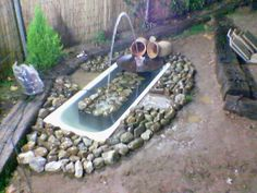 20 landscaping ideas to reuse and recycle old bathroom tubs for ponds and planters Here are some of the great landscaping ideas and creative decorations that reuse and recycle old bathroom tubs. Pond Landscaping, Ponds Backyard, Gravel Garden, Water Garden, Garden Pond, Culture D'herbes, Raised Flower Beds, Raised Beds, Rustic Outdoor Decor