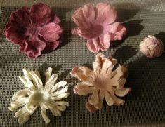 Цветок из войлока может украсить шарф или пальто, добавить ту самую «изюминку» в…
