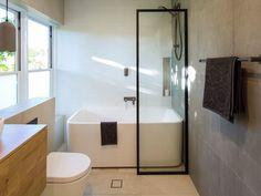 Bath Shower Combination, Bathtub Shower Combo, Shower Over Bath, Freestanding Bath With Shower, Small Bathroom With Shower, Small Tub, Small Bathroom Layout, Modern Bathtub, Victoria Terrace
