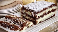 Bolo gelado de coco e chocolate - Uma receita saborosa - Sweet Recipes, Cake Recipes, Dessert Recipes, Desserts, Cake Cookies, Cupcakes, Chocolate Topping, Icebox Cake, Dessert Bread