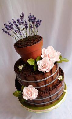 EDITOR'S CHOICE (10/12/2014) I love to garden by Kateřina Lončáková View details here: http://cakesdecor.com/cakes/161352-i-love-to-garden
