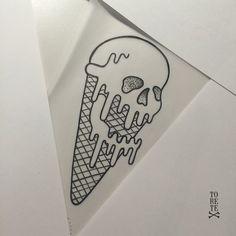 Skull ice cream!! Otra pieza más para la colección #blackandwhite #skull…