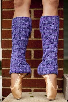 Ravelry: Moira's Legwarmers pattern by Lisa Houchins  (d.i.y.!)